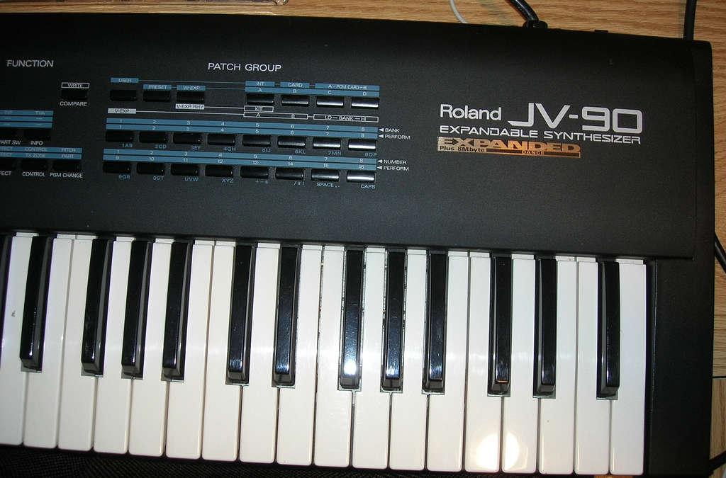 Roland JV-90