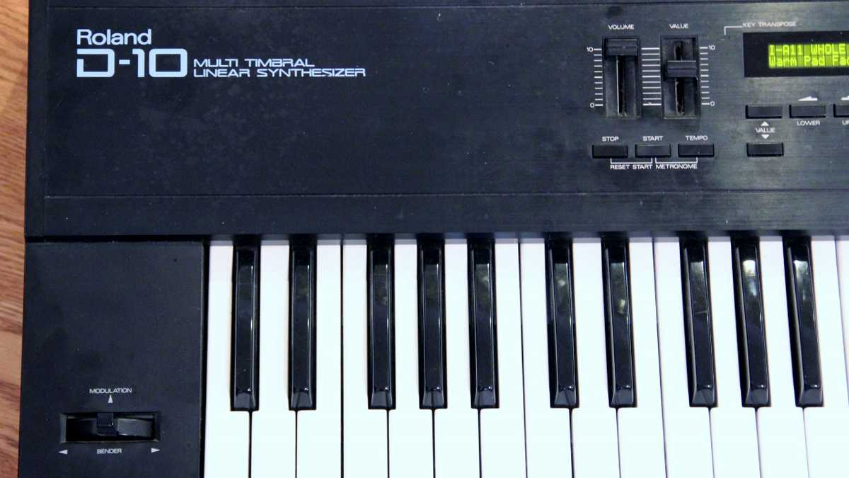 Roland D-10